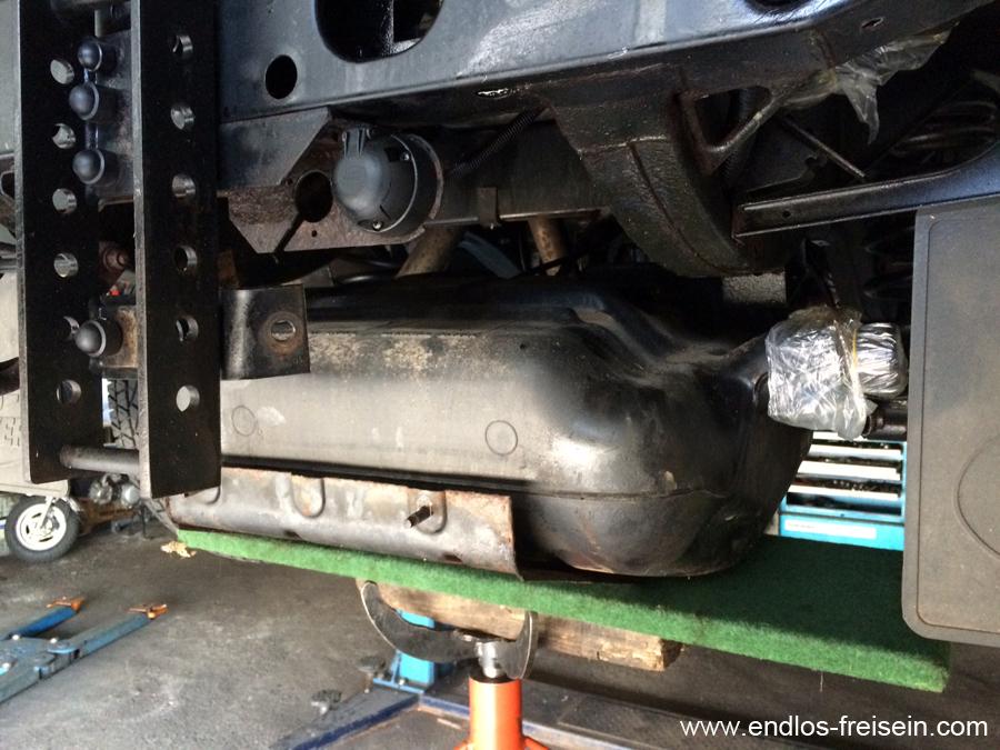 Tankausbauen Land Rover Defender